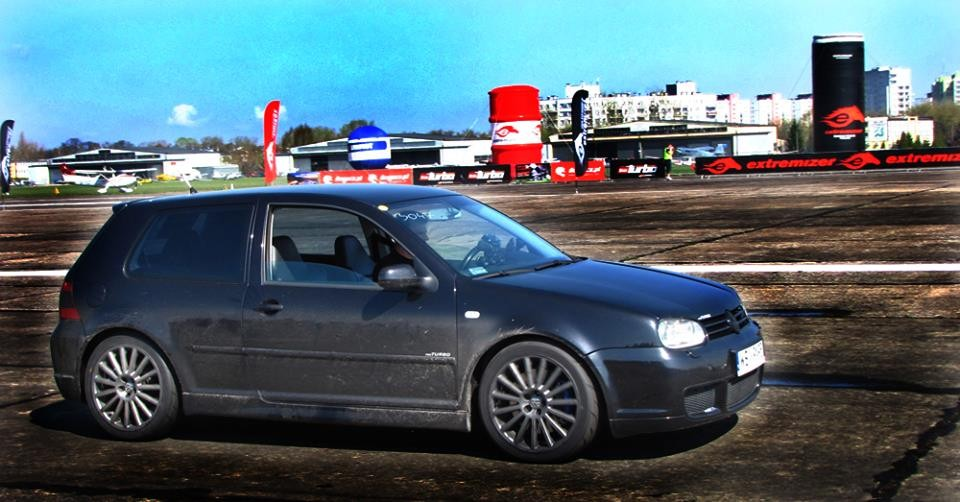 background - Šílený Golf V10 Bi-turbo