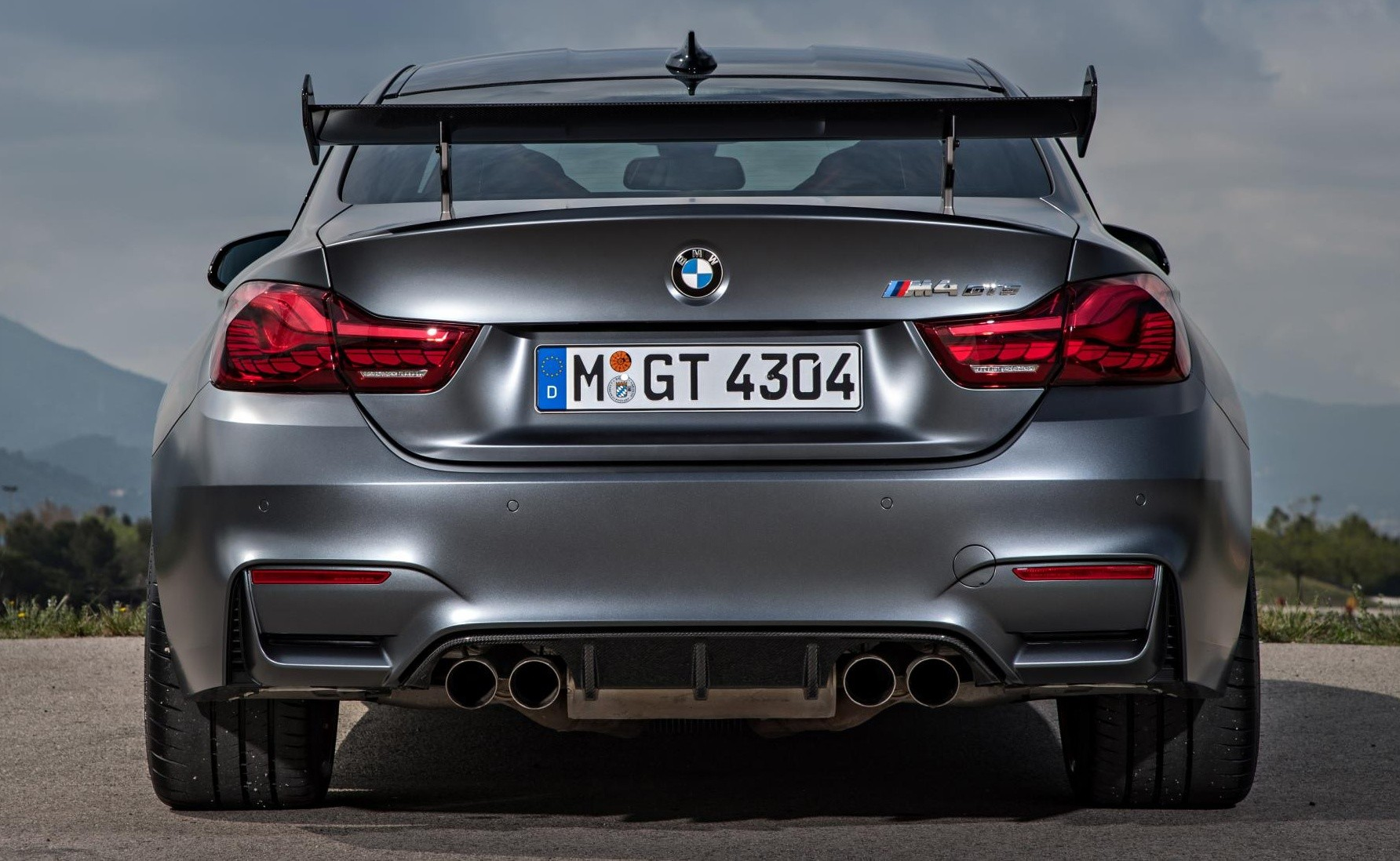 background - Jaké je nové BMW M4 GTS?