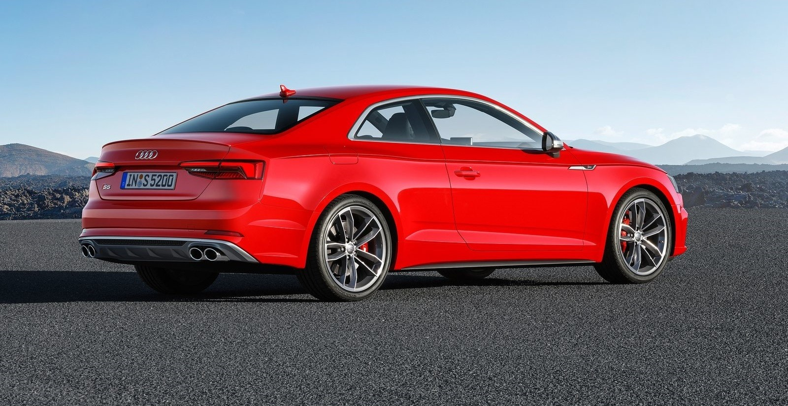 background - Nové Audi S5 v podání borců ze SPEED-Buster