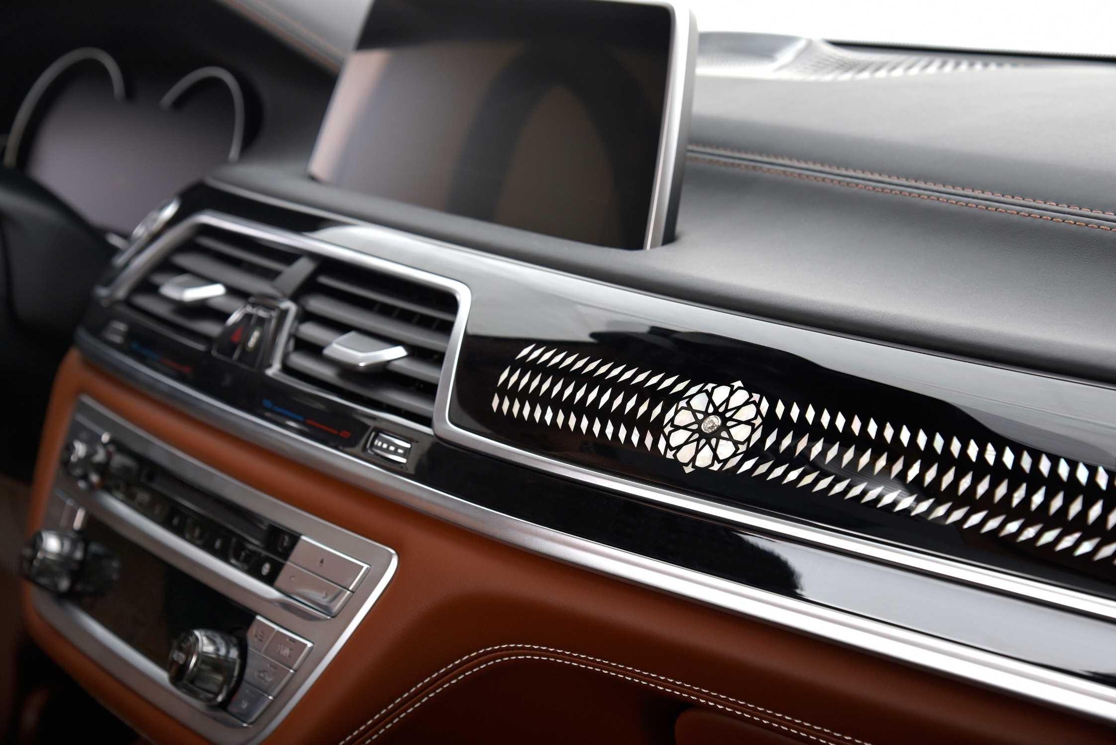 BMW 750Li xDrive Solitaire xDrive interiér
