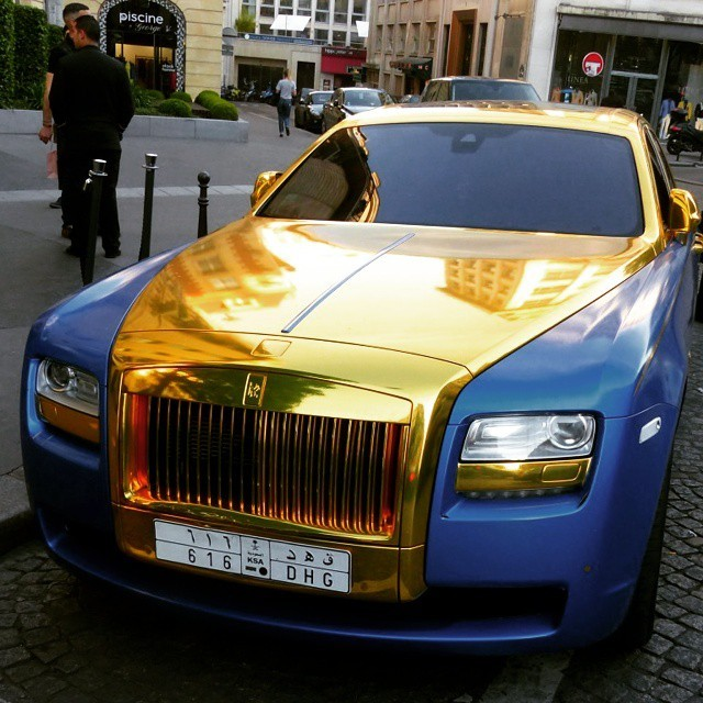 Taktéž i zlato-modrá