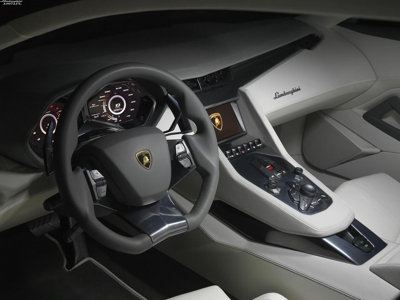 Lamborghini Estoque interiér