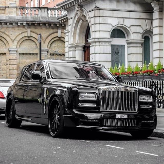 jezdit v této úpravě od Mansory na svém Phantomu by se nestyděl žádný mafiánský boss