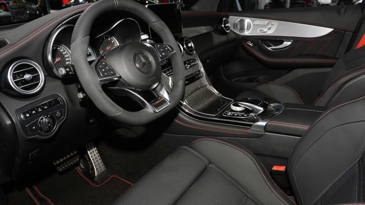 Mercedes-Benz GLC 43 AMG interiér