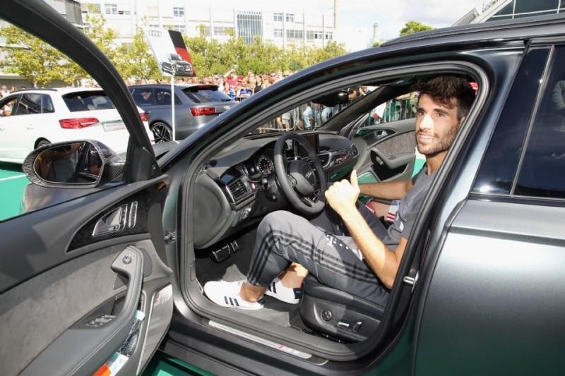 Audi rs7 sportback performance 40 tfsi 605 koní modrá