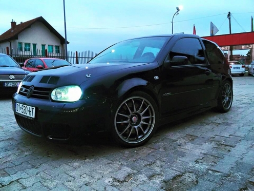 Šílený Golf V10 Bi-turbo