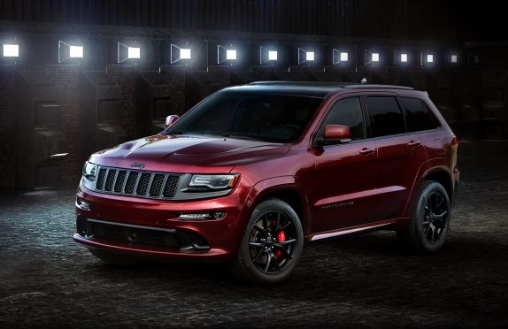 Červená noc z Ameriky - Jeep Grand Cherokee SRT Night