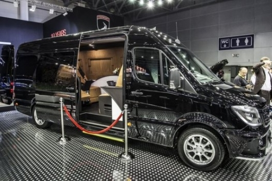 Brabus Conference Lounge alias Mercedes Sprinter